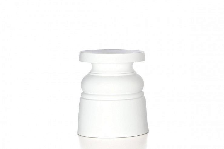 01-strle-svetila-moooi-sedezi-container-new-antiques-stool