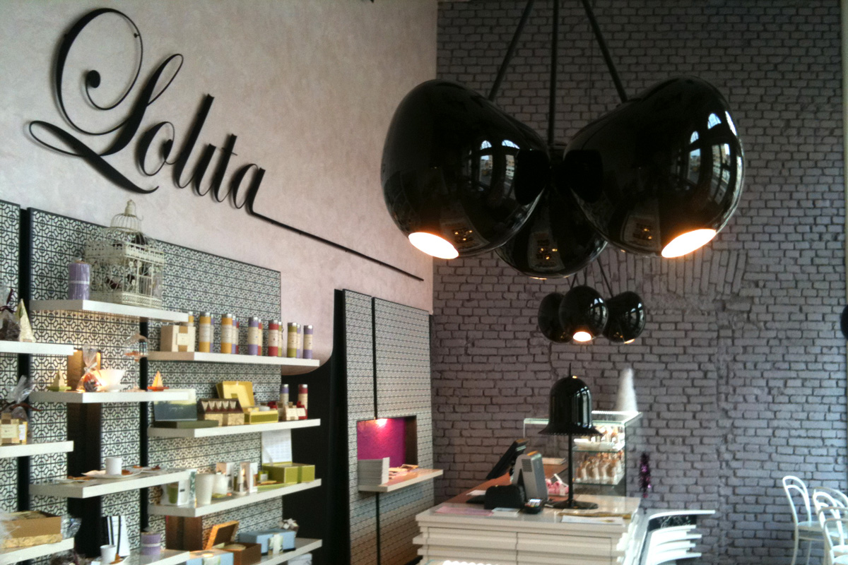 strle-svetila-kavarna-lolita-1