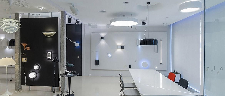 strle-svetila-prodajni-salon-bezigrad-1
